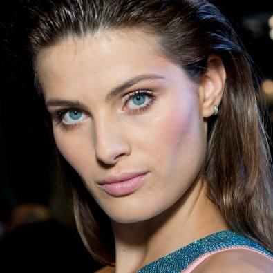 A não maquilhagem proposta por Versace