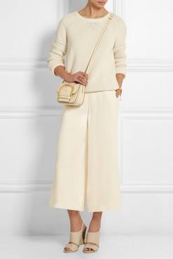 Look simples e elegante sugerido por Stella MacCartney