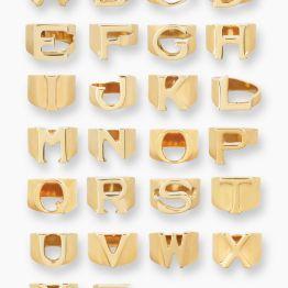 Anéis alfabeto da chloe (PVP: 200 eur), em www.chloe.com