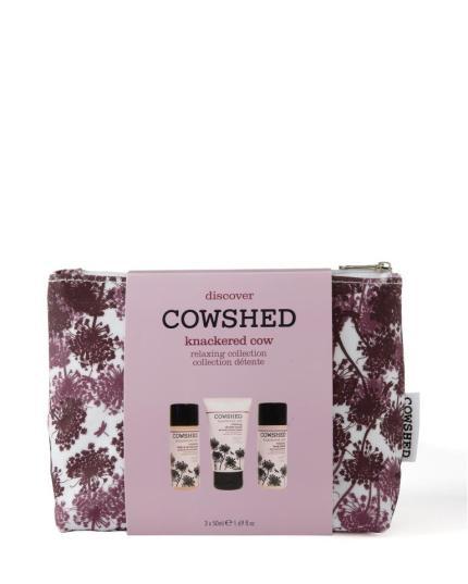 Cowshed Knackered Cow de Lavanda e Eucalipto, conhecidos pelas suas propriedades calmantes. Set de gel de banho, exfoliante e um creme de corpo. PVP: 27€