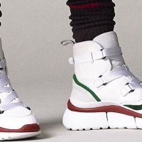 Sneakers: uma nova arma feminina